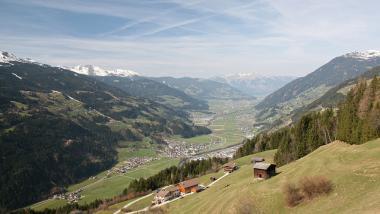 Pohled na Zillertal v létě