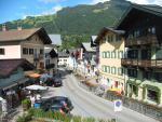 Městečko Mayrhofen a jedna z ulic